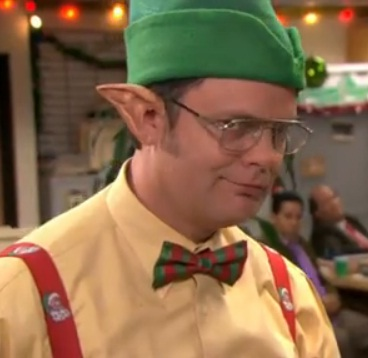 i re watched the episode before i sat down to review it and i was astonished when i realized just how much is going on in this one besides the phyllis vs - The Office Dwight Christmas